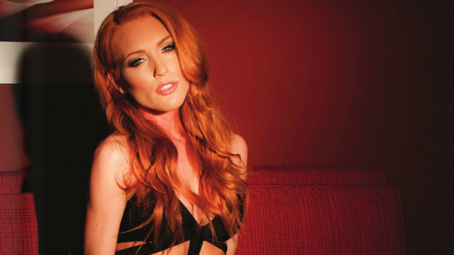 Cam Model of Month Jenny Blighe Is Red-Hot