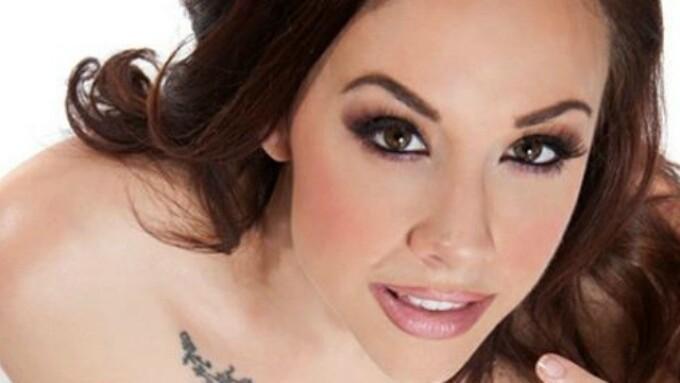 Jennifer White Stars in 'Massive Facials 7'