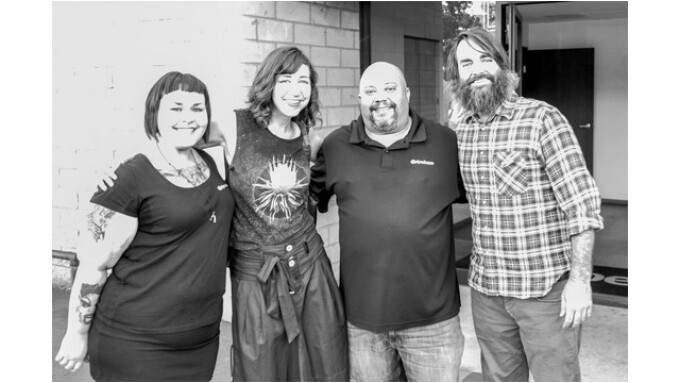 'Last Man on Earth' Cast, Crew Visit Pipedream