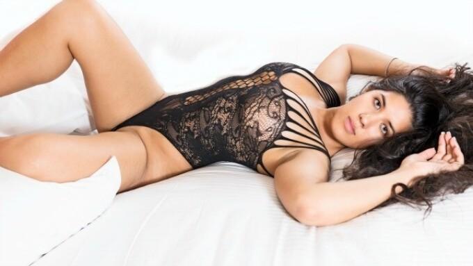 Flirt4Free's Natalie Star to Be Next CamStar by Fleshlight Model