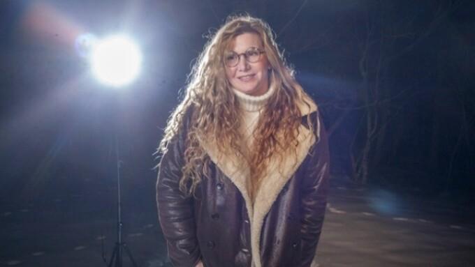 Nica Noelle to Co-host 'Banned' Radio Program