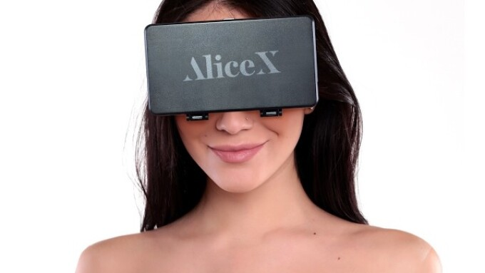 AliceX.com Announces Beta Launch of Virtual Reality Live Cam Site