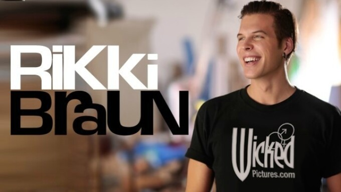 Rikki Braun Wraps 1st Feature for Wicked