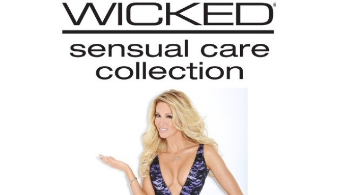 Wicked Sensual Care, Jessica Drake Presenting TEA Lifetime Achievement Award