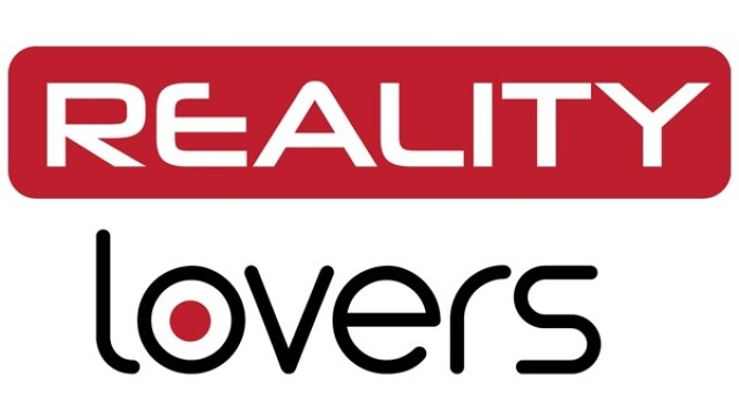 Reality Lovers Offers Green Screen VR Porn