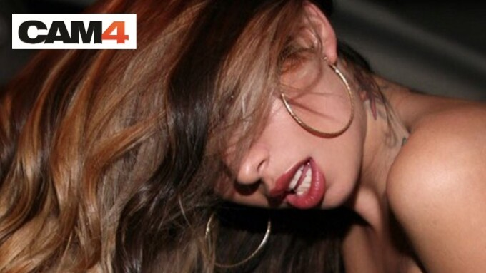 Adult Star Kat Dior to Perform Live on CAM4 Tonight