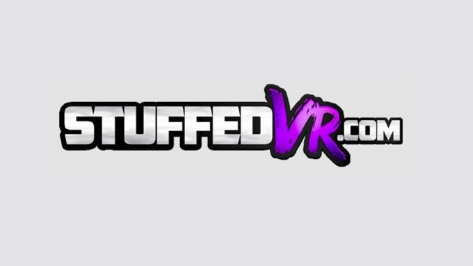 Catalina Cruz Launches StuffedVR.com