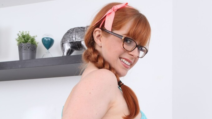 Penny Pax Voted Top VNALive Cam Girl for December